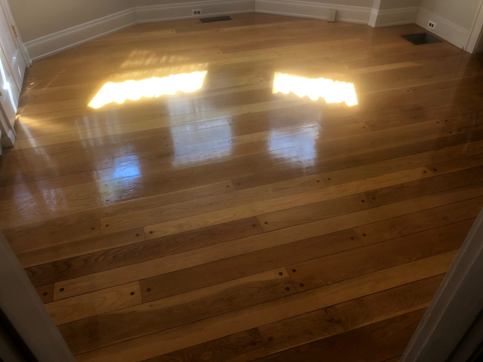 Professional Hardwood Floor Cleaning Blue Ash Ohio by Howards Cleaning Service