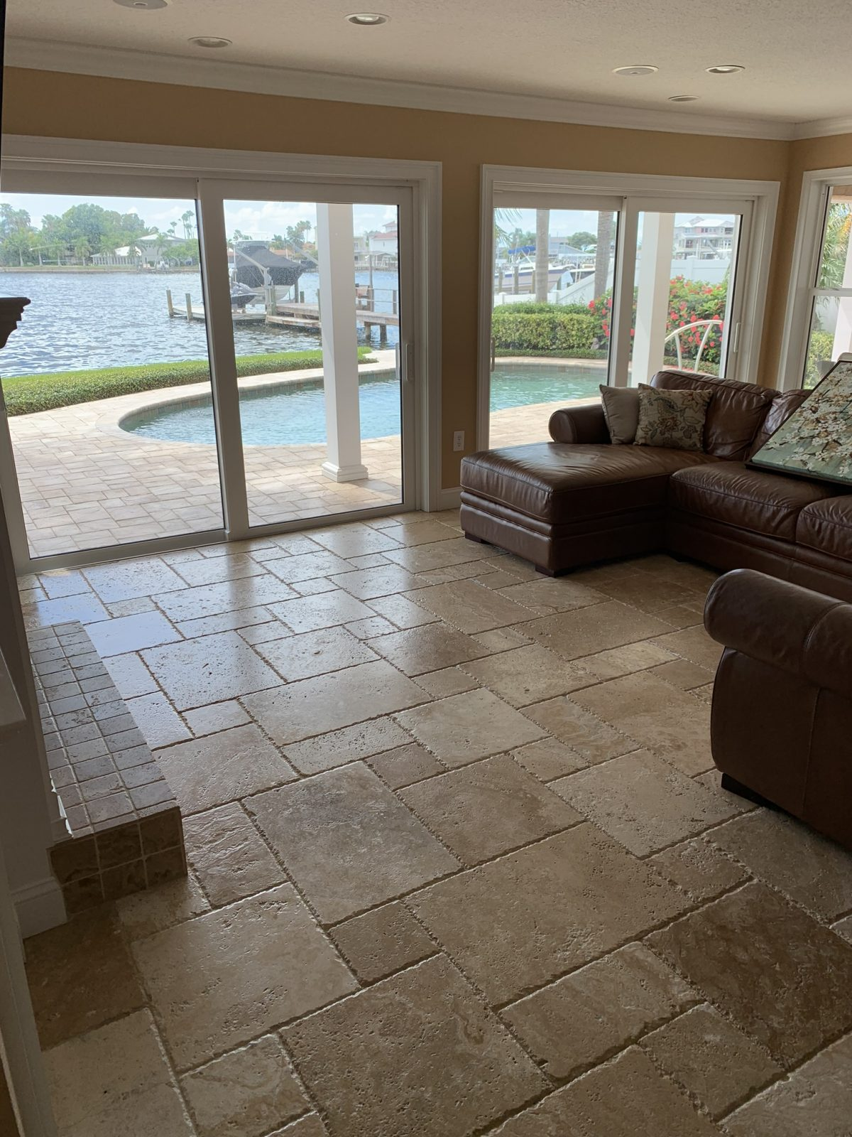 Professional Tile & Grout Cleaning Oldsmar Florida by Howards Cleaning Service